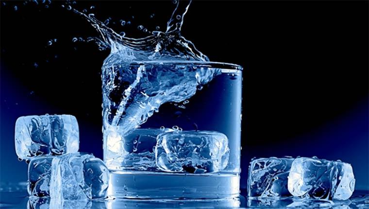 Nước đá viên tinh khiết